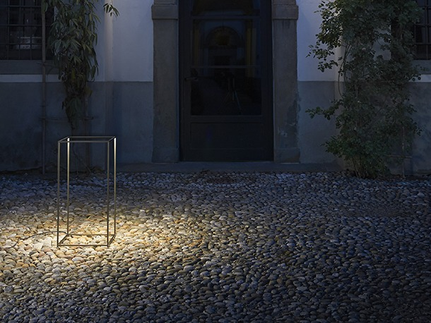 Ipnos darc magazine the latest addition to flos already burgeoning outdoor lighting collection is the ipnos lamp designed by rossi bianchi this led floor lamp can be used aloadofball Choice Image