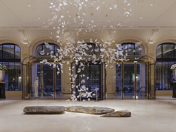 Lasvit Produce Chandelier Glass Art For Peninsula Paris