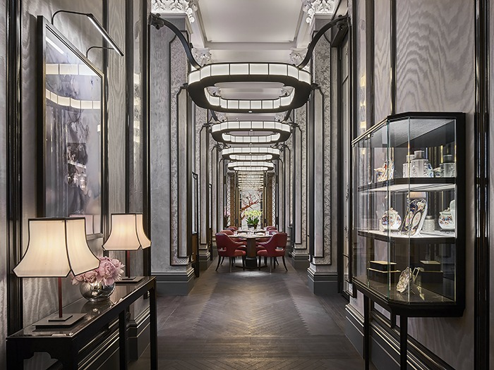 Designers ab concept collaborated with dpa lighting consultants to create a classic sophisticated fusion restaurant in londons four seasons hotel